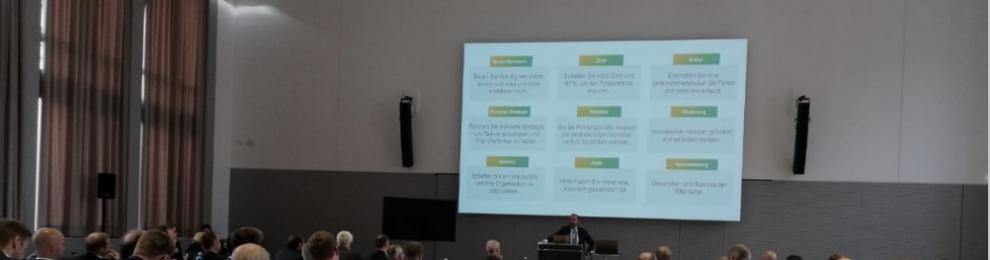 Per Keynote durch die Transformation? Über Wandel in traditionellen Unternehmen